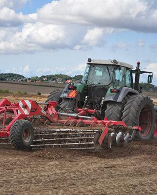 Analiza kosztów naprawy maszyn rolniczych